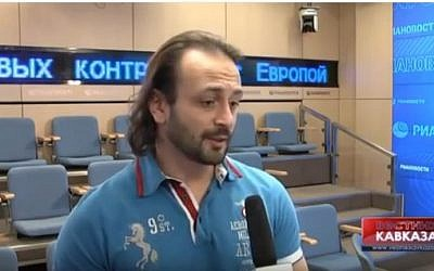 Ilya Averbukh speaks to Russian media on April 28, 2014. (screen capture: YouTube)