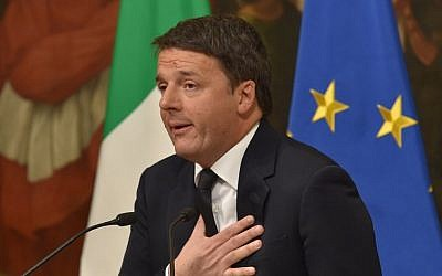 Italy's Prime Minister Matteo Renzi announces his resignation during a press conference at the Palazzo Chigi after the results of the vote for a referendum on constitutional reforms, on December 4, 2016 in Rome. (AFP / Andreas SOLARO)