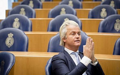 Geert Wilders, leader of right-wing Dutch Party for Freedom (Partij voor de Vrijheid - PVV), being pictured at the Senate (Tweede Kamer) at the Binnenhof in The Hague, The Netherlands on November 17, 2016. (AFP PHOTO / ANP / Bart Maat)