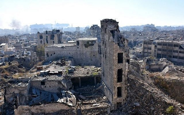 A general view shows damaged buildings in the Qastal al-Harami neighborhood of Aleppo's Old City on December 9, 2016. (AFP PHOTO / George OURFALIAN)