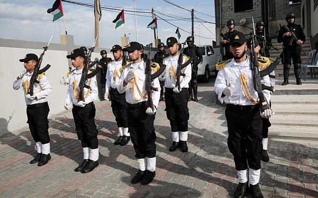 Hamas forces take part in an opening ceremony at the headquarters of a new marine police unit, in Gaza City on December 22, 2016. (AFP PHOTO/SAID KHATIB)