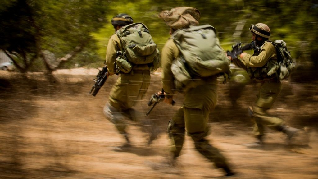 Israel hits Hamas posts in Gaza in response to bombs