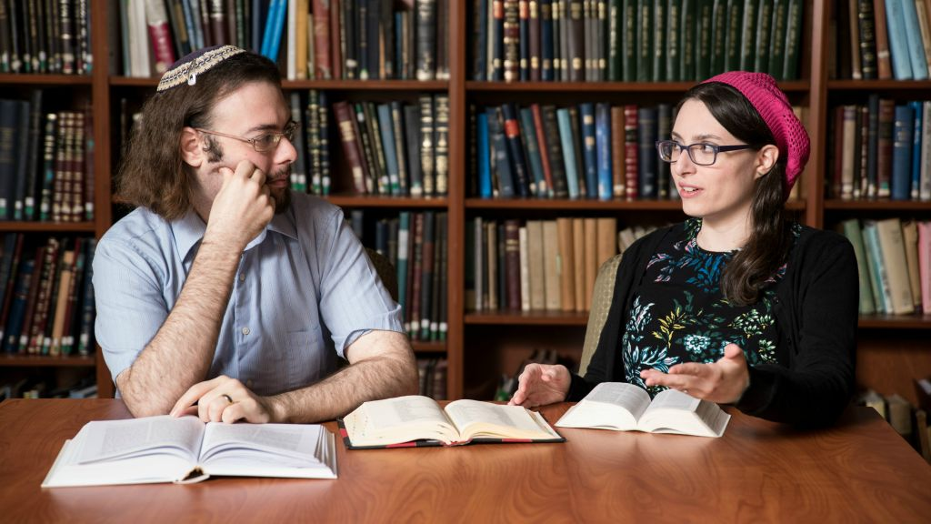 Yaelle Frohlich and Yair Shahak will be competing head-to-head at this year's International Adult Bible Contest in Jerusalem. (David Khabinsky/Yeshiva University)