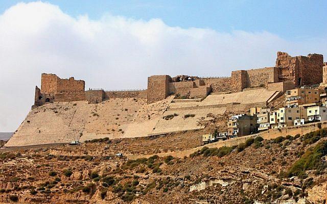 Karak castle in Jordan, seen in 2004. (CC BY-SA, Dennis Jarvis, Flickr)