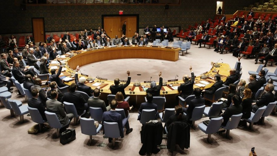 The UN Security Council votes unanimously to adopt a resolution concerning humanitarian aid in Syria at United Nations headquarters, Monday, December 19, 2016. (Seth Wenig/AP)