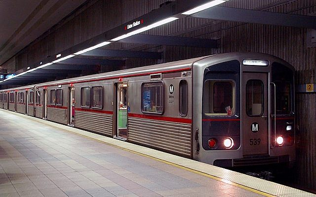 Illustrative photo of a Red Line subway train in Los Angeles, California, 2008. (CC BY-SA, Wikipedia)