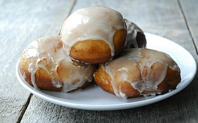 Eggnog Donuts (Shannon Sarna/via JTA)