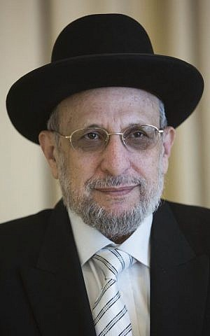 Rabbi Yitzhak Ralbag seen during a Swearing-in ceremony of the Rabbinate Council at the president's residence in Jerusalem on October 31, 2013. (Yonatan Sindel/Flash90)