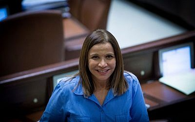 Zionist Union parliament member Shelly Yachimovich at the Knesset. July 25, 2016. (Yonatan Sindel/Flash90)