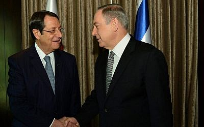Prime Minister Benjamin Netanyahu meets with Cyprus President Nicos Anastasiades, at the King David Hotel in Jerusalem on December 8, 2016. (Kobi Gideon/GPO)