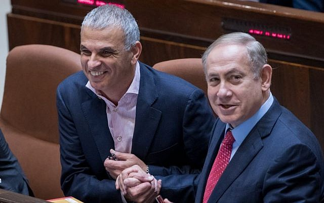 Prime Minister Benjamin Netanyahu and Finance Minister Moshe Kahlon attend the Knesset vote on the 2017-18 state budget. on December 21, 2016. (Photo by Yonatan Sindel/Flash90)