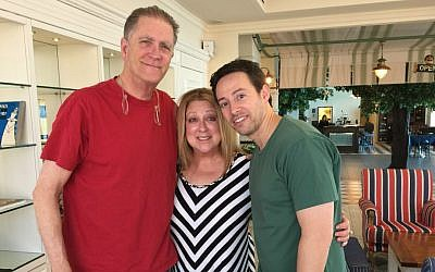 Allan Havey (left), Elayne Boosler and Avi Liberman in Tel Aviv ahead of the December 2016 Comedy for Koby tour (Jessica Steinberg/Times of Israel)