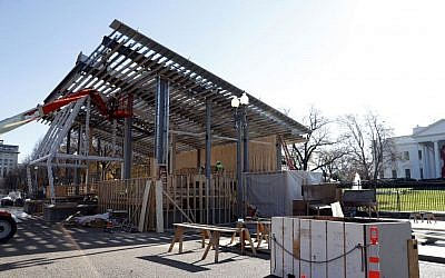 Construction continues on the presidential reviewing stand on Pennsylvania Avenue in front of the White House in Washington, December 1, 2016. (AP Photo/Alex Brandon)