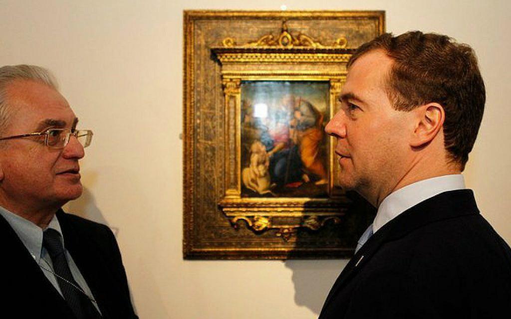 Hermitage director Mikhail Piotrovsky, left, with Russian President Dmitry Medvedev. (Wikimedia commons/kremlin.ru)