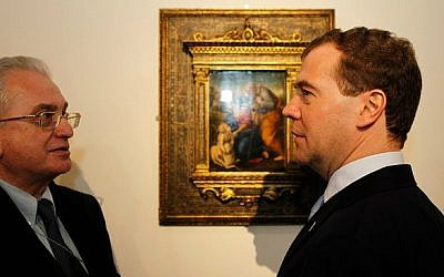 Hermitage director Mikhail Piotrovsky, left, with Russian President Dmitry Medvedev. (Wikimedia commons/kremlin.ru)