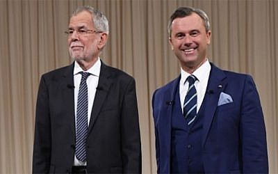 Alexander Van der Bellen, left, candidate for presidential elections of the Austrian Greens, and Norbert Hofer, right , candidate of Austria's right-wing Freedom Party, FPOE, pose before the start of a television debate in Vienna, Austria, November 27, 2016. (AFP/JOE KLAMAR)