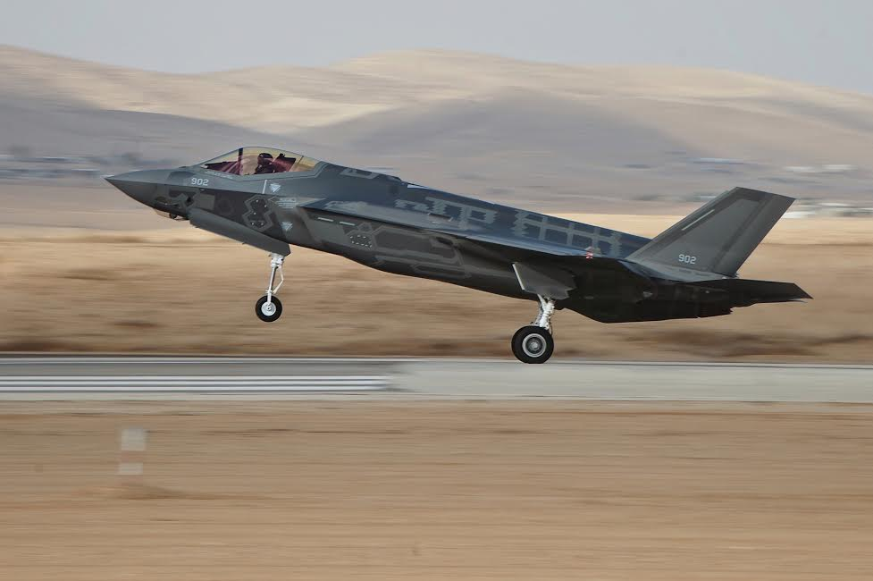 Lockheed Martin wins contract to operate F-35 training