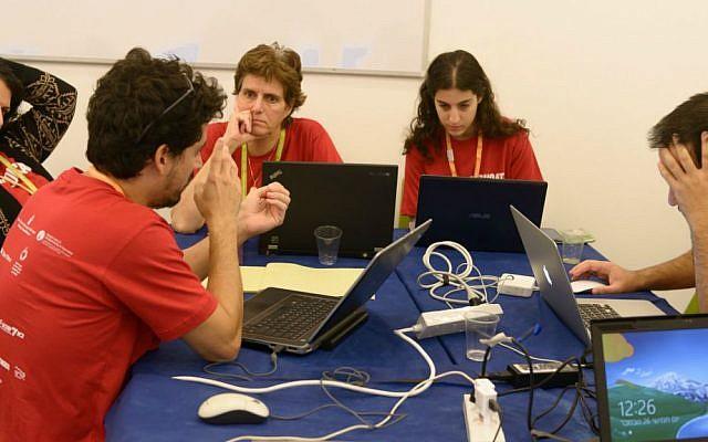 Students take part in 30-hour development hackathon at Ben-Gurion University in Nov. 2015 (Courtesy: Dani Machlis)