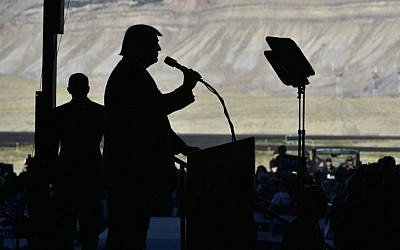 Republican presidential nominee Donald Trump speaks during a rally at West Star Aviation in Grand Junction, Colorado on October 18, 2016. (AFP Photo/Mandel Ngan)