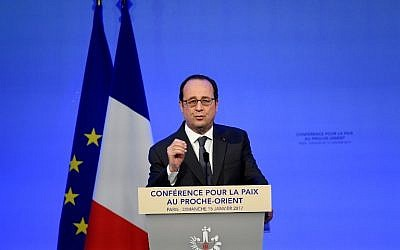 French President Francois Hollande delivers a speech at the Mideast peace conference in Paris on January 15, 2017. (AFP PHOTO / POOL / bertrand GUAY)