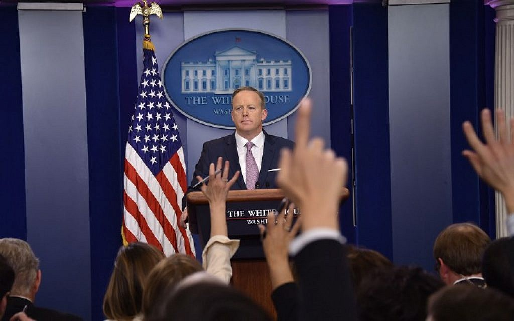 White House Press Secretary Sean Spicer holds the daily press briefing January 23, 2017 at the White House in Washington, DC. (AFP/Nicholas Kamm)