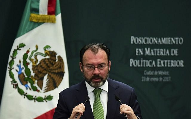 Mexican Foreign Minister Luis Videgaray gives a foreign policy speech after US President Donald Trump vowed to start renegotiating North American trade ties, in Mexico City on January 23, 2017. (AFP PHOTO / RONALDO SCHEMIDT)
