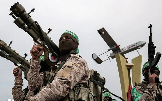 Members of the Hamas armed wing attend a memorial in the southern Gaza Strip town of Rafah on January 31, 2017. (AF /SAID KHATIB)