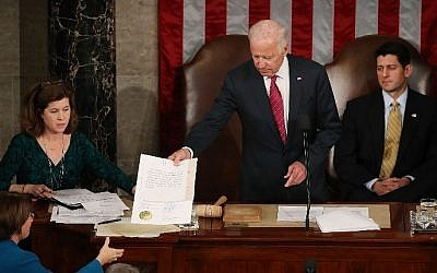 US Vice President Joseph Biden (C) presides over the counting of the electoral votes from the 2016 presidential election during a joint session of Congress, on January 6, 2017 in Washington, DC. (Mark Wilson/Getty Images/AFP)