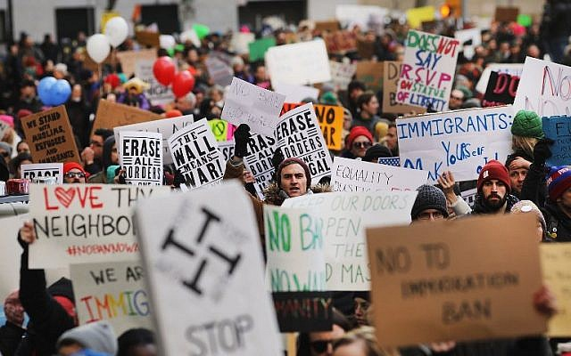 People march in lower Manhattan to protest US President Donald Trump's new immigration policies on January 29, 2017 in New York City. (Spencer Platt/Getty Images/AFP)