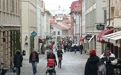 A view of a street in the Swedish town of  Gothenburg (CC BY-SA 3.0 Erik of Gothenburg/Wikipedia)