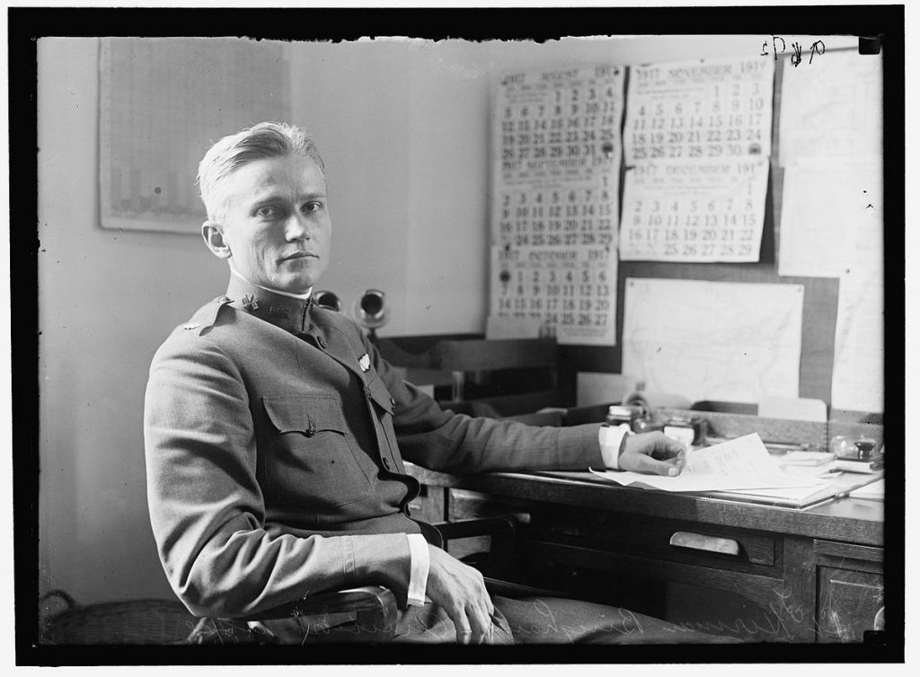 A photo of Hiram Bingham IV at his desk in 1917. (Public domain)