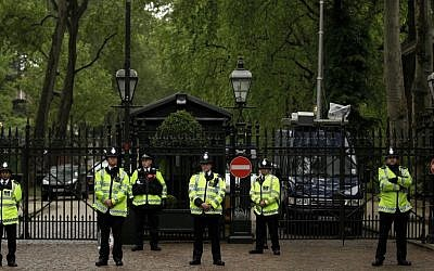 British police officers stand guard outside the Israeli embassy in London during a protest against Israeli policy, on Tuesday, June 1, 2010 (AP Photo/Matt Dunham)