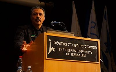 Issam Zeitoun, a liaison between the Free Syrian Army and international players, including Israel, speaking at the Hebrew University in Jerusalem on January 17th, 2017. (Credit: Reuvan Ramaz, Truman Institute).