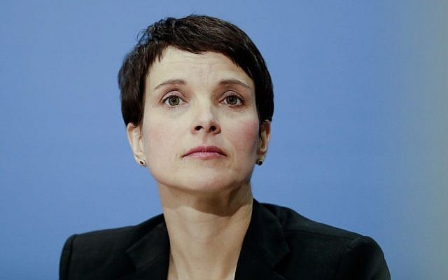 Alternative for Germany (AfD) chairwoman Frauke Petry at a news conference in Berlin. December 16, 2016. (AP Photo/Markus Schreiber)