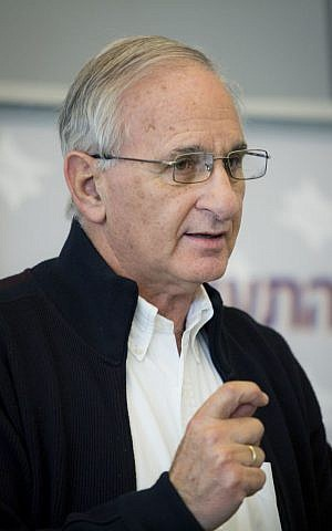 Giora Romm, at the time director of the Civil Aviation Authority of Israel. January 9, 2014. (Moshe Shai/Flash 90)