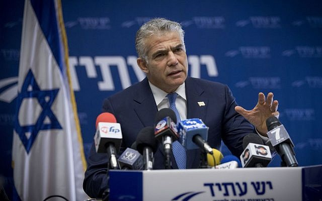 Yesh Adit party chairman, Yair Lapid, leads a party faction meeting at the Knesset, in Jerusalem, January 9, 2017. (Yonatan Sindel/Flash90)