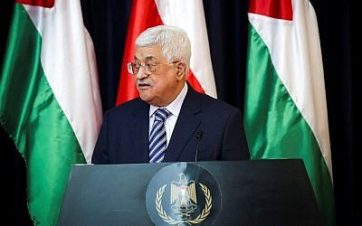 Palestinian Authority President Mahmoud Abbas speaks during a joint press conference with Polish President Andrzej Duda (unseen) in the West Bank city of Bethlehem, January 18, 2017. (Wisam Hashlamoun/Flash90)