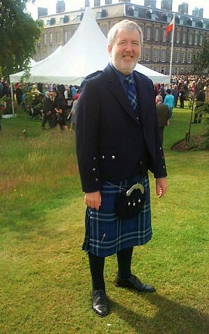 Glasgow resident Howard Brodie wearing the Shalom Tartan. (Courtesy)