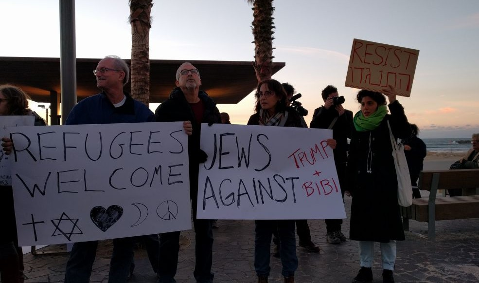 Protesters chanted a number of anti-Netanyahu slogans during the demonstration against President Donald Trump's policies towards refugees in Tel Aviv on January 29, 2017. (Melanie Lidman/Times of Israel)