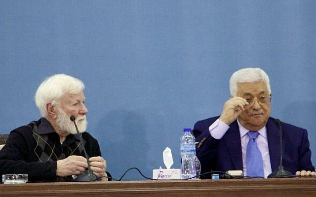 Palestinian Authority President Mahmoud Abbas (R) and Israeli peace activist Uri Avnery at the PA headquarters in Ramallah on January 5, 2017. (Dov Lieber/Times of Israel)