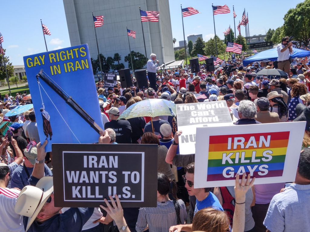 Hundreds turned out for a protest in Los Angeles against the Iran nuclear deal, July 26, 2015. (Peter Duke/via JTA)
