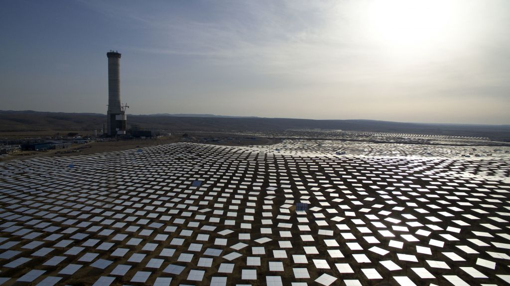 Israel Harnessing Sunshine With World S Tallest Solar Tower The Times Of Israel