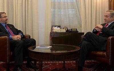 PM Benjamin Netanyahu meets with US Ambassador to Israel Dan Shapiro , January 19, 2017. (Haim Zach/GPO)