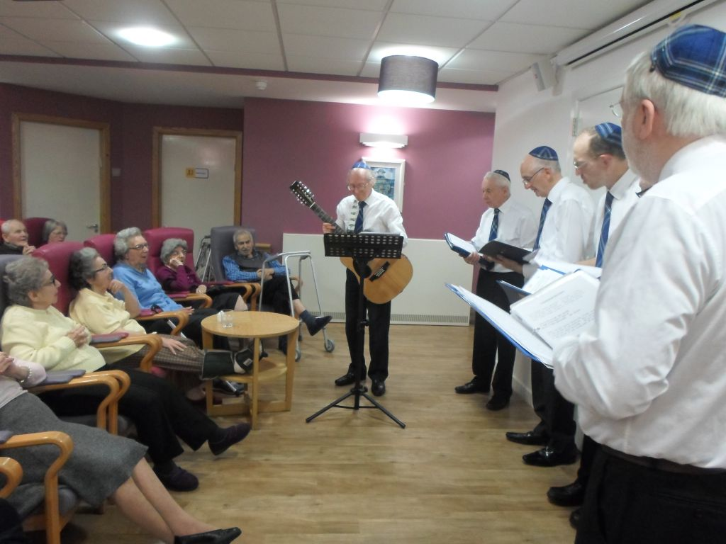 Glasgow Jewish singers take part in an annual Pesach concert wearing their Shalom Tartan ties. (Fiona Brodie)