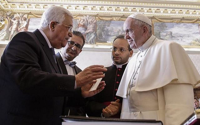 Pope Francis meets with Palestinian Authority President Mahmoud Abbas during a private audience at the Vatican, Saturday, Jan. 14, 2017. (Giuseppe Lami/ANSA pool via AP)