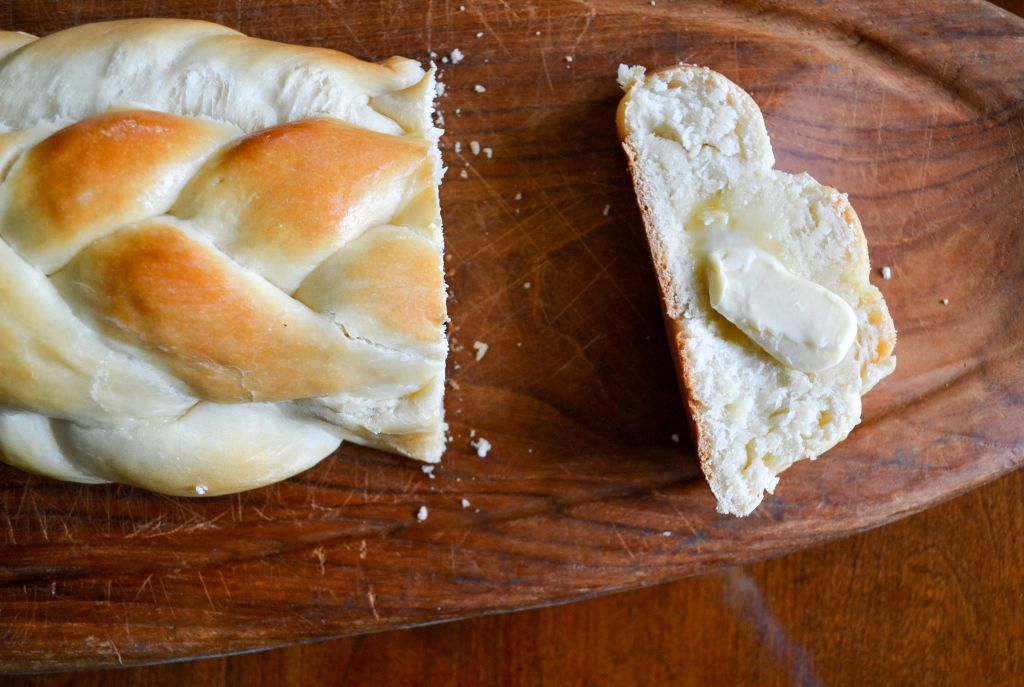 Vegan challah with what may or may not be butter. (Izzy Darby/via JTA)