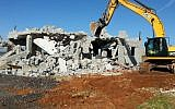 The National Unit for enforcing planning and construction laws demolishes illegal buildings in Qalansawe, January 10, 2017 (National Unit for enforcing planning and construction laws)
