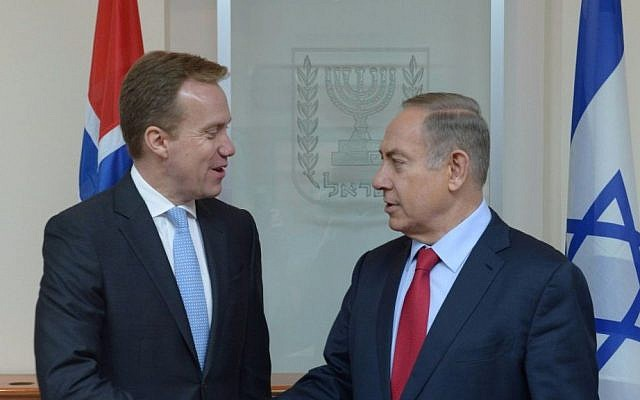 Prime Minister Benjamin Netanyahu meets Norwegian FM Borge Brende in Jerusalem, January 12, 2017 (Amos Ben Gerschom/GPO)