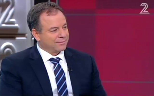 Prime Minister Benjamin Netanyahu's chief of staff Yoav Horowitz during an interview with Channel 2 on September 3, 2016. (Screen capture: Channel 2)