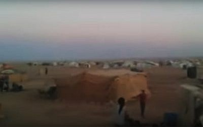 A still image from a July 2016 video showing Rukban refugee camp on the Syrian-Jordanian border (screen capture: YouTube)